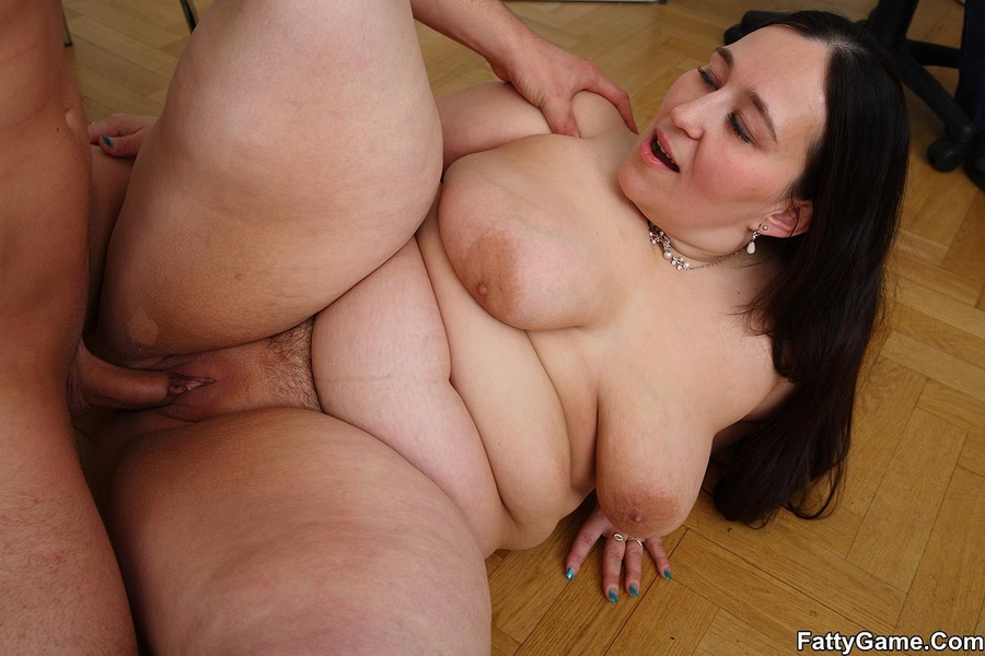 Fat girl getting fucked