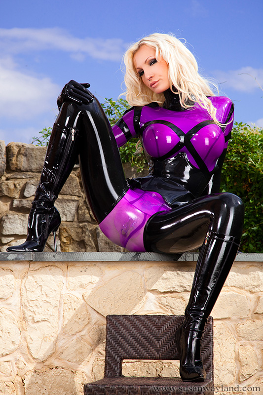 hardcore sex with blonde wearing purple mask  124131