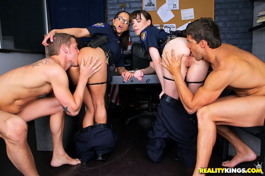 Tits Shemales Cops Naked Scenes