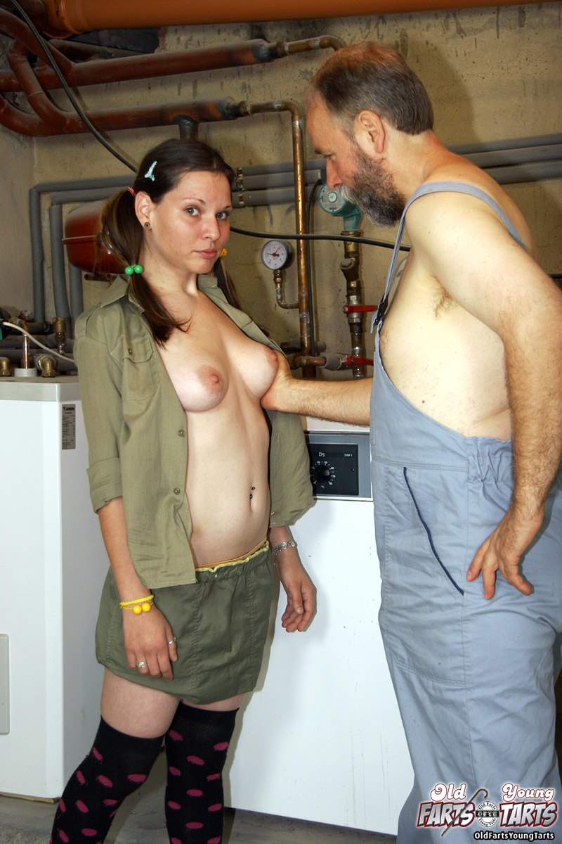 Old Mechanic Fucking A Dirty Xxx Dessert Picture 3