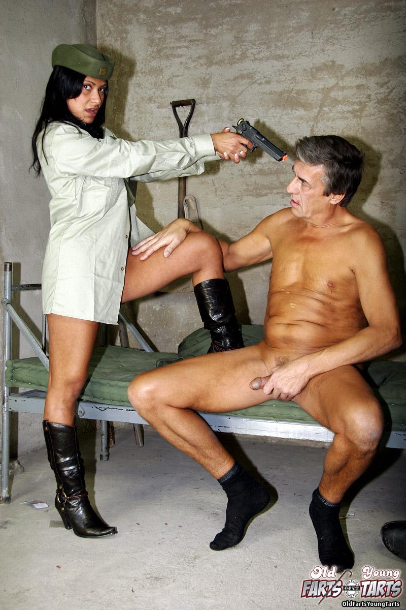 Секс солдат ххх