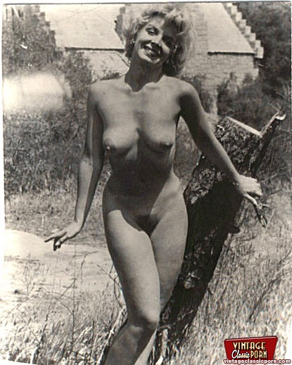 Vintage girls showing pussy pic 256