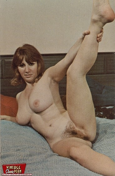 classic porn naked retro hippie ladies showing their