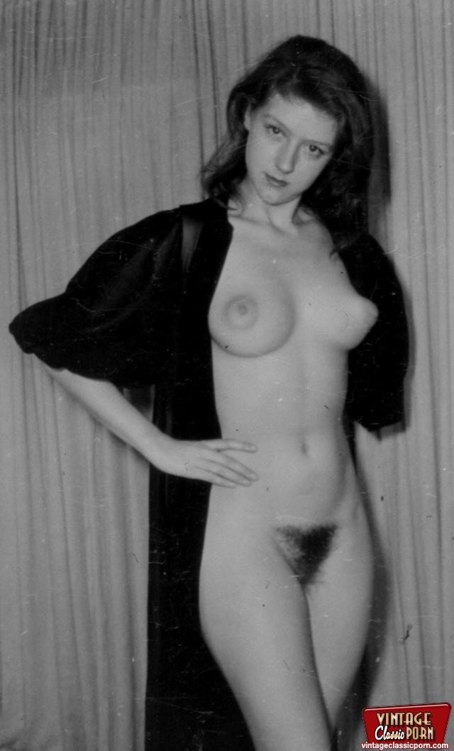 Erotic vintage babe nude