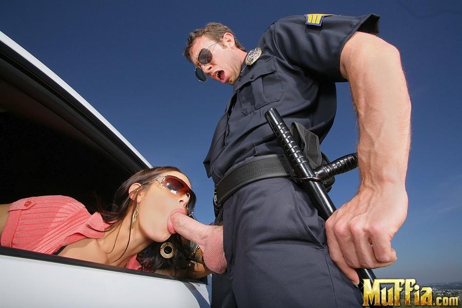 Выебал телку полицейского — img 6