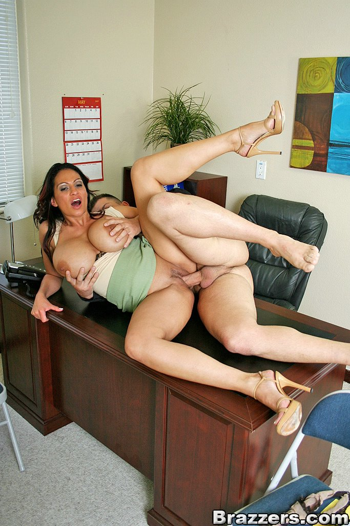 Секс в офисе порно фото