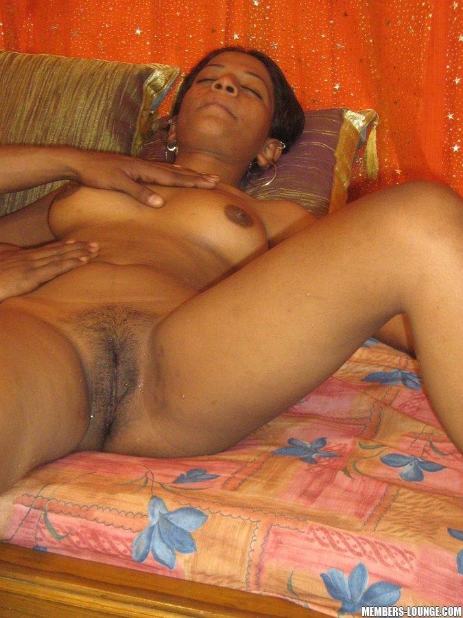 Hot Indian Girls Indian Teen Ejoy The Lick - Xxx Dessert - Picture 17-8794