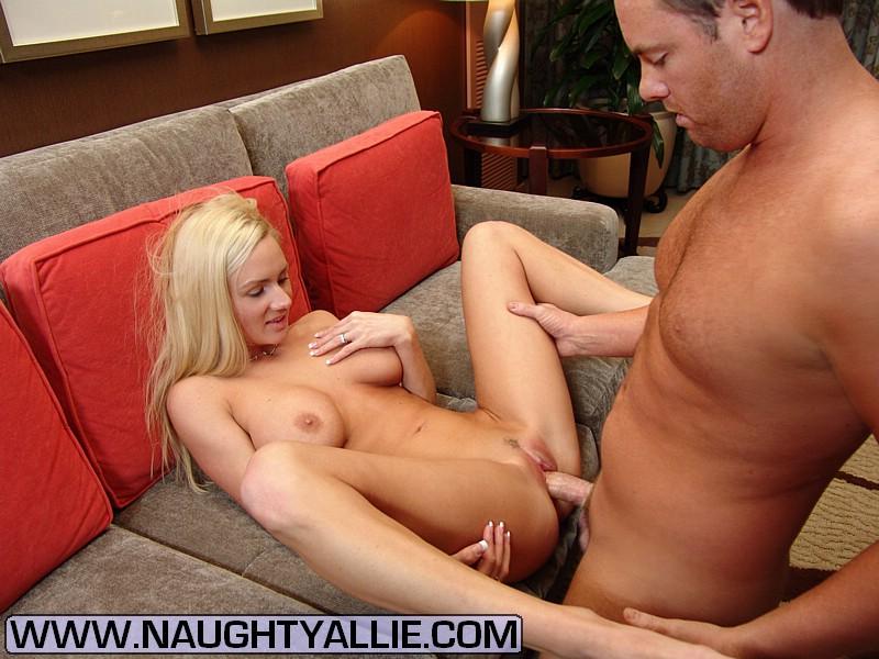 Bobbi biliard naked