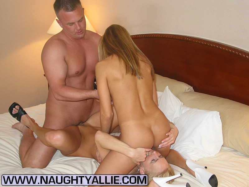 Teen Threesome Squirt Hd