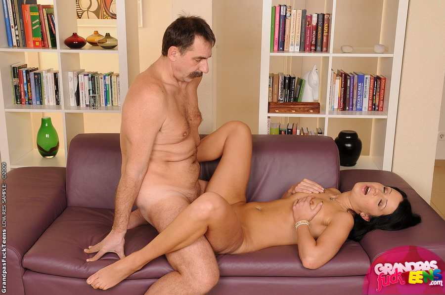 Father Fuck Teen Daughter
