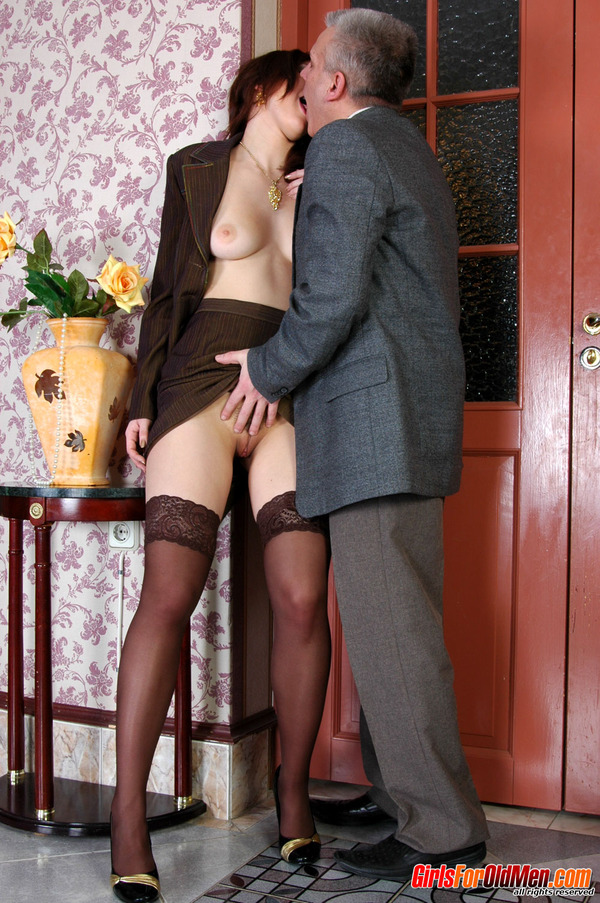 Xxx Old Young Pretty Office Girl Getting Q - Xxx Dessert -3858