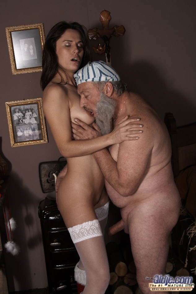 Old housewife leda fuck sleeping eric 5