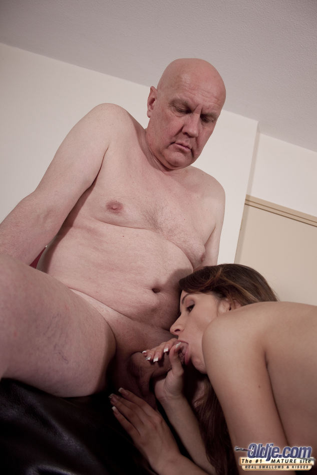 Old  Young - The Beauty Is Masturbatin - Xxx Dessert -5002