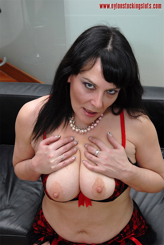 Dark Haired Busty Mature Chick In Sexy Stoc - Xxx Dessert - Picture 7-8321