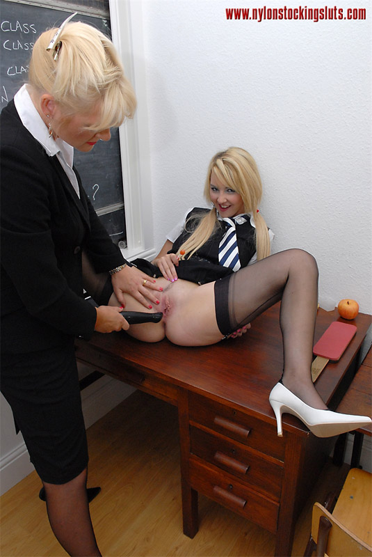 Mature Tube Shemale With Perfect Cock