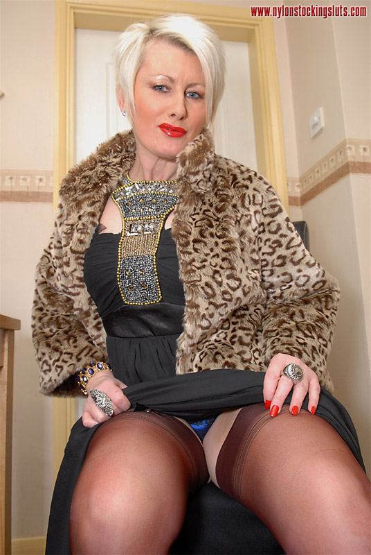 Mature sally in stockings
