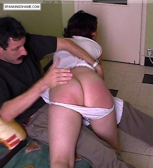 Naked arab ass