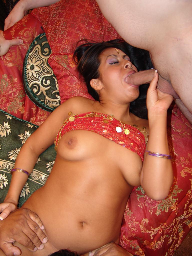 Sassy Indian Beauty Rani Show Off Her Tits - Xxx Dessert -1238