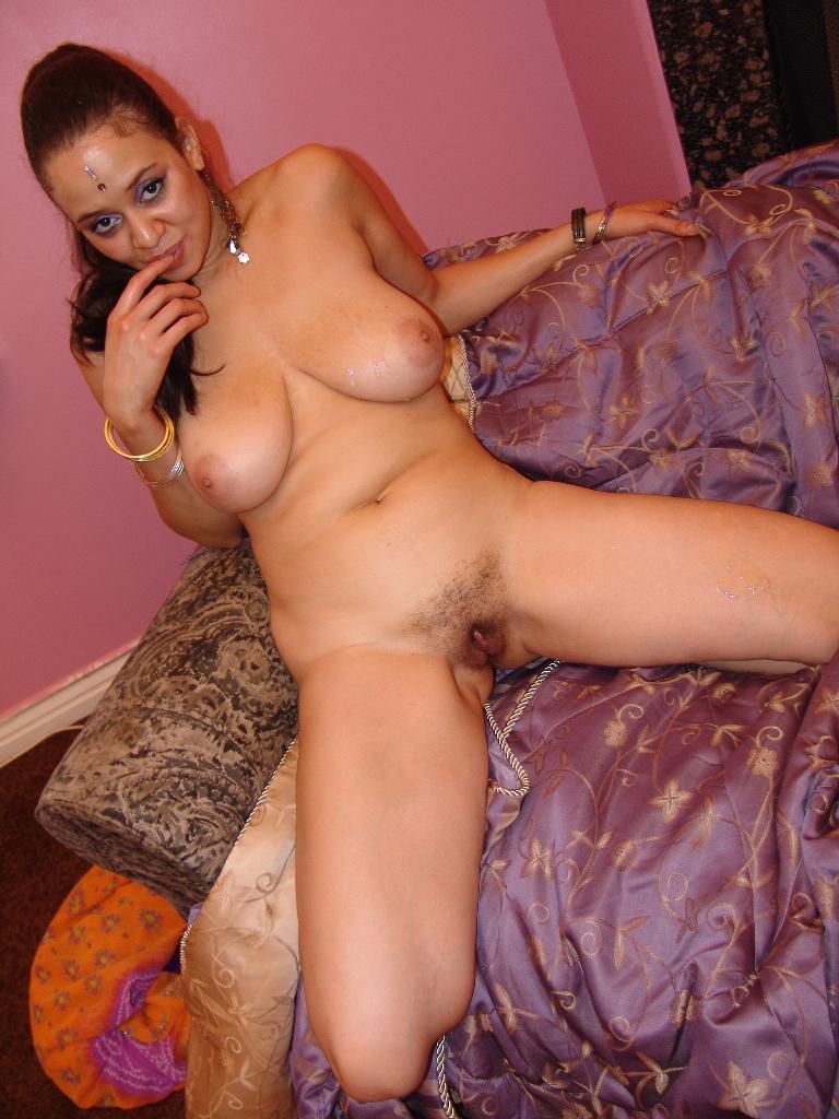 Busty Indian Lasmi Lifts Her Legs High To S - Xxx Dessert -9463
