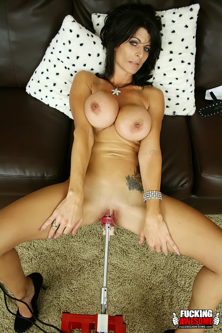 Amazing pics of tattoed milf with huge tits - XXX Dessert - Picture 4
