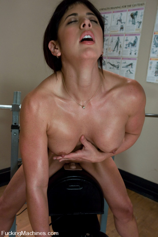 Gym Babe Sweaty Oiled Xxx Dessert Picture 7