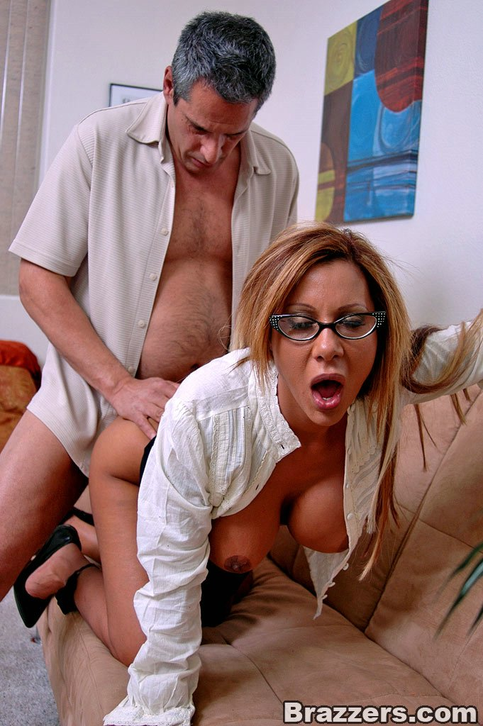 Office girls. Demi Delia and her big tits i - XXX Dessert - Picture 11