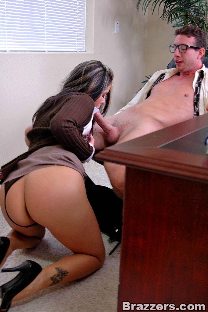 Girl fucks at the office