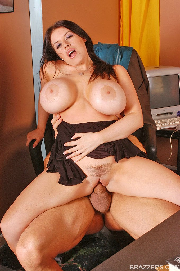 Sexy Boobs Busty Office Girl Daphne Rosen - Xxx Dessert