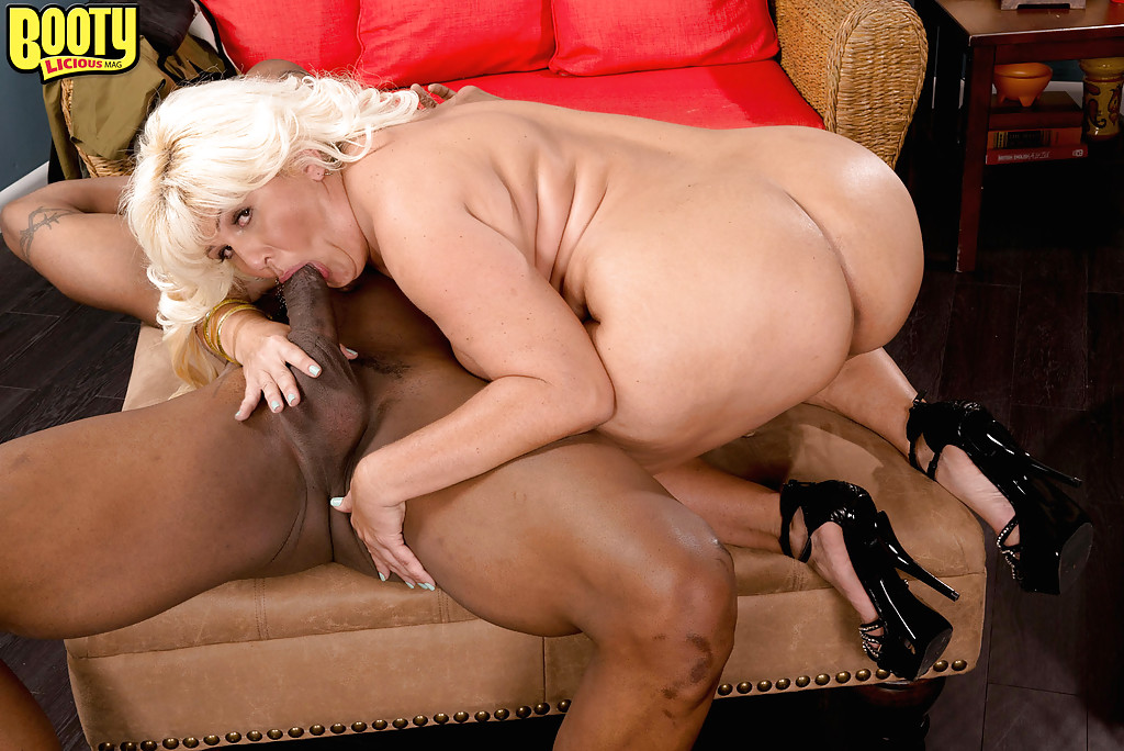 2 Big Booty Latina Threesome
