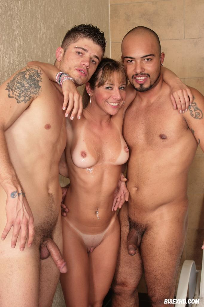 Naked pictures Busty nudes in bondage