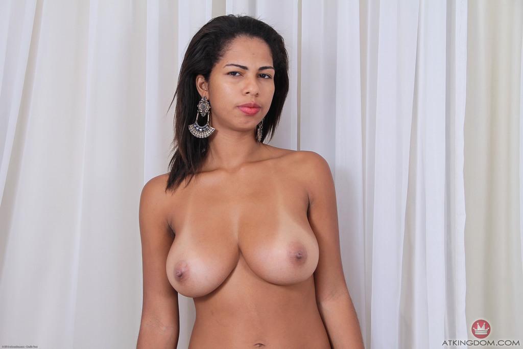 beautiful busty amateur nude