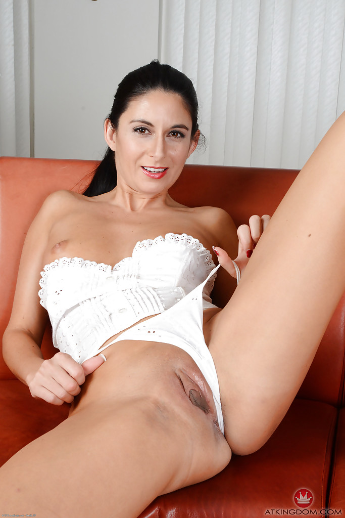 Hot Brunette Creampie Milf
