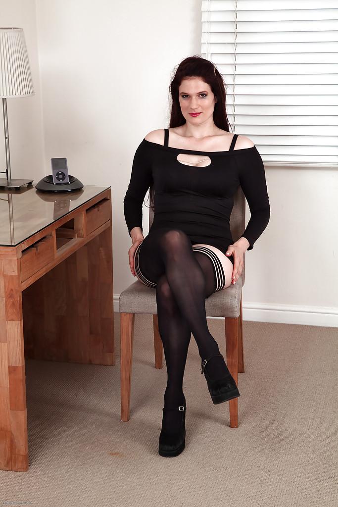 English Amateur Milf Stockings