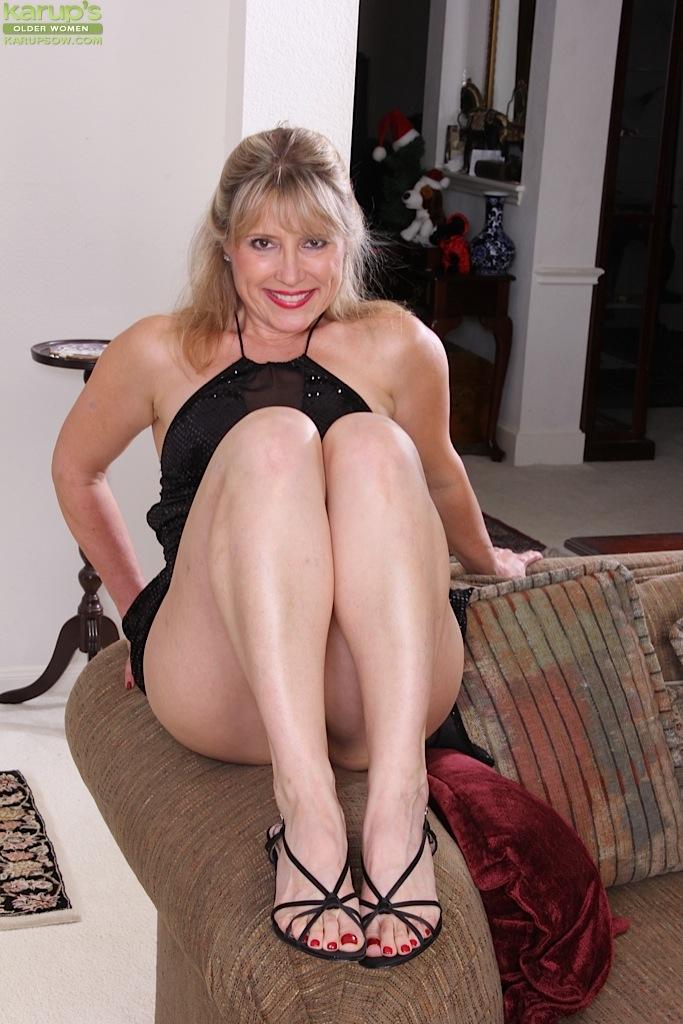 older mature amateur blonde