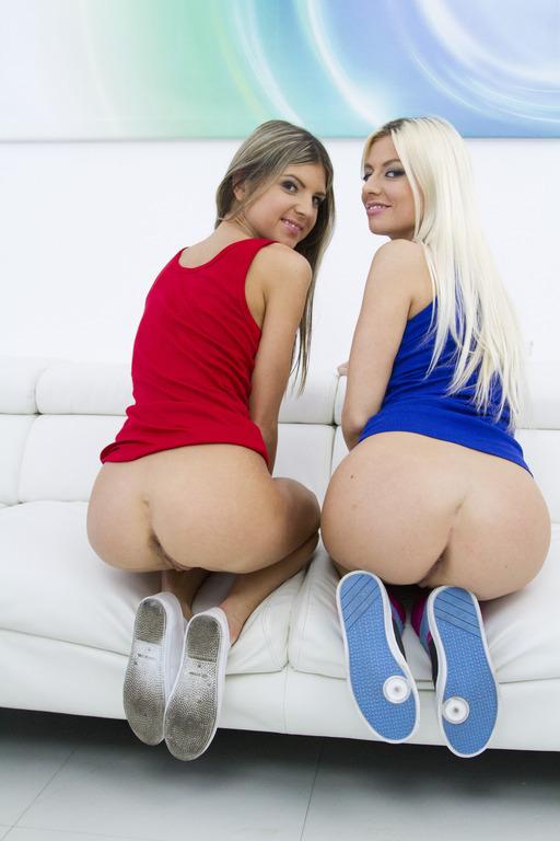 Young Small Tits Lesbian Hd