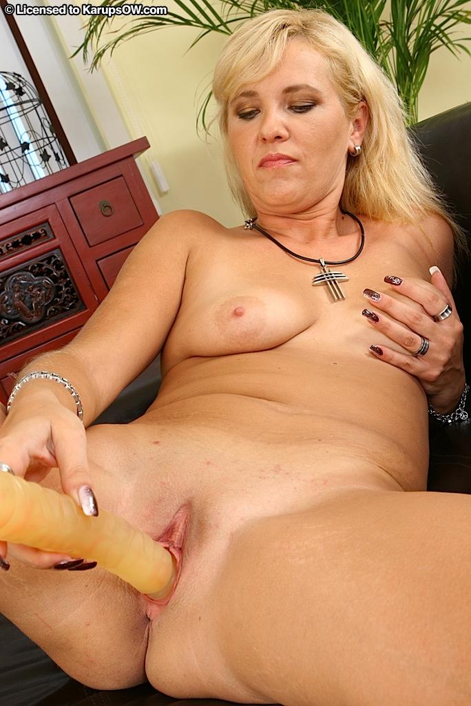 Amateur Granny Saggy Tits