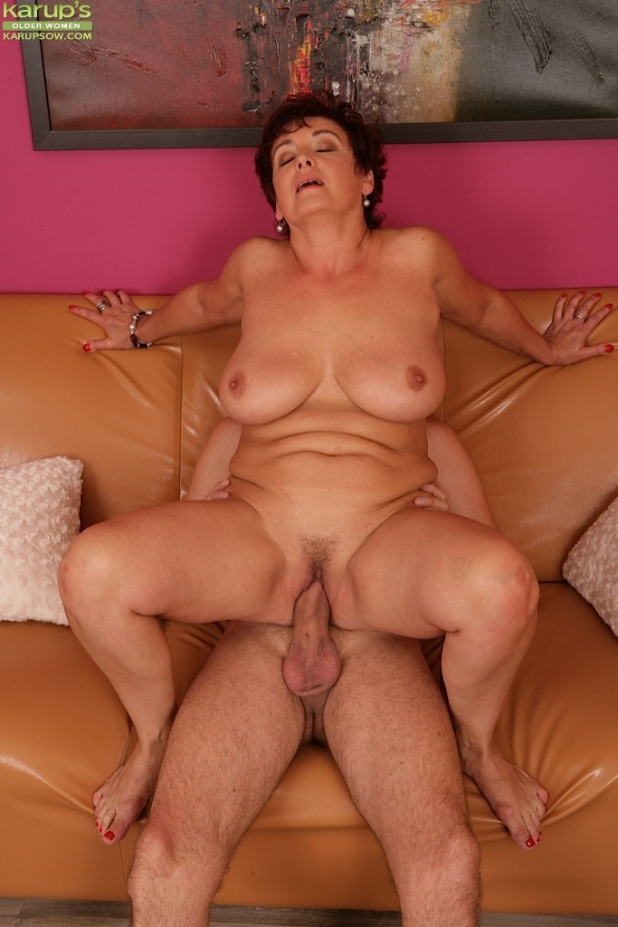 Amateur Cheating Milf Party