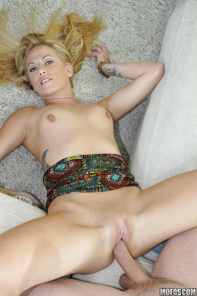 Amateur Blonde Teen Home Made