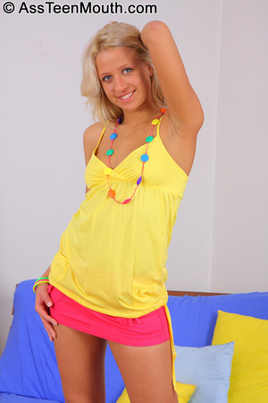 Nude teen girls. Blonde hotty takes a go - XXX Dessert - Picture 2