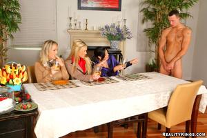 Cfnm pure. 3 smoking hot big tits blonde - XXX Dessert - Picture 3