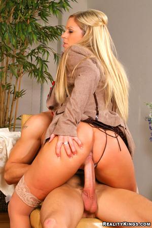 Cfnm pure. 3 smoking hot big tits blonde - XXX Dessert - Picture 11