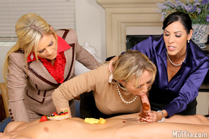 Cfnm. Amazing masterating  alana and her - XXX Dessert - Picture 8