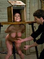 Slave girls. Service slut trained for table - Unique Bondage - Pic 5