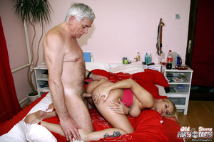 Xxx young. Senior plumber helping out a  - XXX Dessert - Picture 9