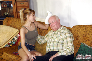 Young & old sex. Grandpa seduces his - XXX Dessert - Picture 2