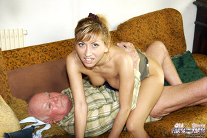 Young & old sex. Grandpa seduces his - XXX Dessert - Picture 10