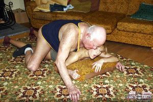 Young & old sex. Grandpa seduces his - XXX Dessert - Picture 11