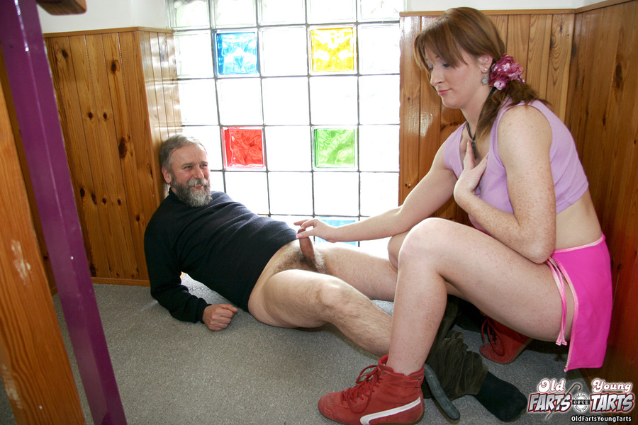 Docktor fuck wife in front husband