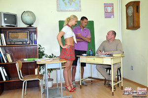 Young & old sex. Willing teenage cut - XXX Dessert - Picture 1