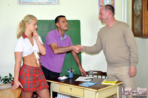 Young & old sex. Willing teenage cut - XXX Dessert - Picture 4